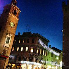 Blu di Ferrara, Piazza Duomo - Instagram by @zenogovoni