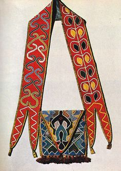 Beaded shoulder pouch, via Flickr.