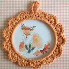 """Petit cadre en crochet   jolie illustration """"Renard"""" via La petite boutique de Mamathbibi. Click on the image to see more!"""