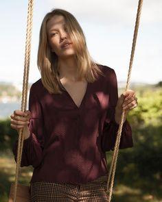 🍂 Maud sin gathered cuff bluse i ✨📷 Arrow Necklace, Instagram, Fashion, Moda, Fashion Styles, Fashion Illustrations