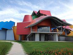 Vista do BioMuseu no Panamá, primeira obra de Frank Gehry na América Latina