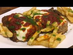 Milanesa a la napolitana Milanesa, Yummy Yummy, Camera Phone, Html, Meat, Chicken, Food, Pain Au Chocolat, Recipes