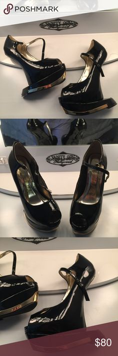 Go Jane Black/Gold Platform Heels GoJane Black/Gold Platform Heels. Size 6.5. Brand new without box, never worn. Perfect condition. Very cool and actually quite comfortable. Go Jane Shoes Platforms