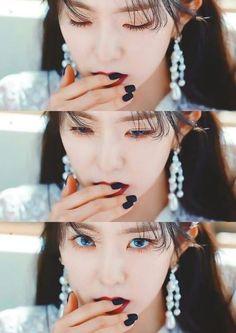 Irene : I'm original visual Me: attacked -- Good Girl, Seulgi, Snsd Yuri, Velvet Wallpaper, Red Velvet Irene, Daegu, New Artists, Girl Crushes, Red Velvet