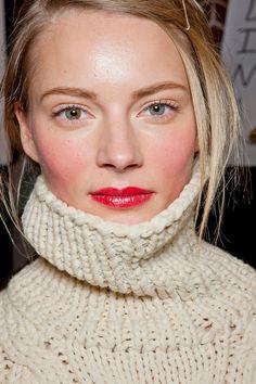 Photo of model Ieva Laguna - ID 397428 Chanel Makeup, Lip Makeup, Makeup Tips, Beauty Makeup, Hair Beauty, Pretty Makeup, Makeup Looks, Blonde Tips, Pretty Face