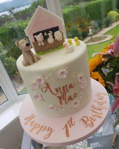 "𝕷𝖆𝖚𝖑𝖔 𝖈𝖆𝖐𝖊𝖘 on Instagram: ""The cutest farm theme cake for cutest little baby #farmcake #farmthemedcake #farming #fondantfigurines #fondant #massaticino @sweet.stamp…"" Barnyard Cake, Farm Cake, Cute Little Baby, Little Babies, Farm Theme, Themed Cakes, Cake Designs, Farming, Fondant"