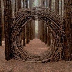 mondtor-aus-naturholz-natural-wood-moon-gate-mondtor-naturholz-this-imag/ - The world's most private search engine Land Art, Dream Garden, Garden Art, Garden Poems, Garden Drawing, Herb Garden, Garden Plants, Moon Gate, Forest Art