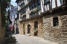 Quimperlé | Finistère Bretagne. http://www.fasthotel.com/bretagne/hotel-quimperle