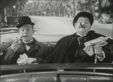 Laurel and Hardy : Chump At Oxford - Now you have that Friday feeling! (Stan Laurel & Oliver Hardy