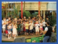 Make your childs birthday a magicial celebration with Chicago's premier magician Magic by Randy. For almost 25 years Randy has been performing the funniest kids and family magic shows. As one of the best birthday entertainers Randy delivers a hilarious interactive magic show that kids and parents will be talking about for years.    Come find out why Randy was voted #1 Magician in Chicago: http://www.magicbyrandy.com