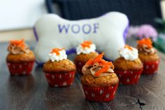 peanut butter & carrot pupcakes for the doggies @mylifeasamrs.com