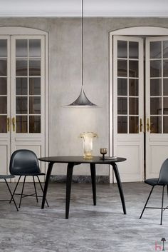 The Semi lamp was designed in 1968, the product of the creative partnership between the two architecture students, Claus bonderup and Torsten Thorup.