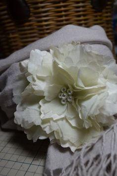 布花のコサージュの作り方|コサージュ・ブローチ|ファッション小物|作品カテゴリ|アトリエ
