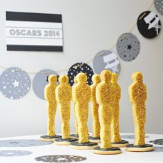 Oscar statue cookies for the most festive Academy Awards party.