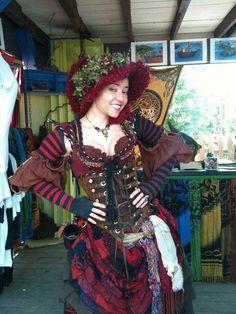 (une autre vue ici http://sootsprite.tumblr.com/post/27507047983/dreamie-scarborough-renaissance-festival )