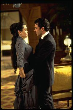 Angelina Jolie & Antonio Banderas, Original Sin (2001)