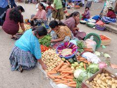 El mercado en San Cristóbal, Alta Verapaz, Guatemala