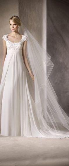 gefunden bei HAPPY BRAUTMODEN         Brautkleid Hochzeitskleid elegant edel spanisch La Sposa LaSposa fließender Rock Spitze