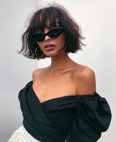 Kurze Frisuren Mit Pony 2019 , Short Hairstyles With Bangs 2019 , Hair Source by LoriGeurin Fashion Mode, Look Fashion, Fashion Beauty, Classy Fashion, Fashion Clothes, Trendy Fashion, Catwalk Fashion, Style Clothes, 1950s Fashion