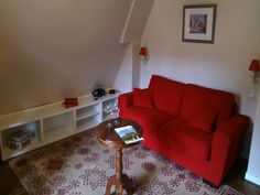 Studio Le Grenier Sarlat-la-Can�da Situated in Sarlat-la-Can?da, this air-conditioned apartment is 39 km from Brive-la-Gaillarde. The unit is 33 km from Rocamadour. Free WiFi is available .  A flat-screen TV is featured. There is a private bathroom with a shower.