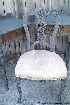 just lovely....... swooning over the lace on the chair.  such a nice detail.