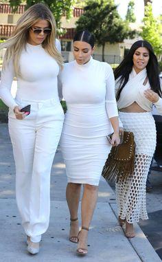 Kourtney Kardashian recebe o apoio de Kim e Khloé depois da separação