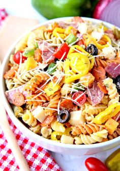 Pizza Pasta Salad is the best pasta salad recipe. It's full of flavor and easy to make. Pizza Pasta Salads, Best Pasta Salad, Pasta Dishes, Food Dishes, Side Dishes, Pasta Sauces, Healthy Pasta Recipes, Pasta Salad Recipes, Healthy Foods To Eat