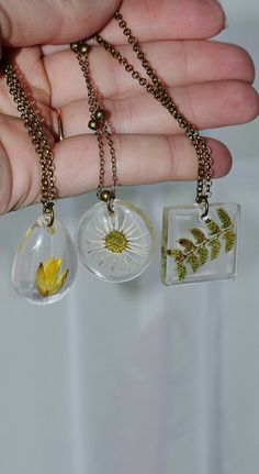 #YellowFlower #FlowerNecklace #TerrariumNecklace #BotanicalNecklace