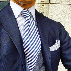 Navy Blazer Men, Grey Suit Men, Mens Suits, Blazers For Men Casual, Casual Blazer, Mens Outdoor Fashion, Mens Fashion, Gentleman Style, Dapper Gentleman