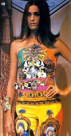 Yasmin Le Bon - Gianni Versace Runway Show, 1991