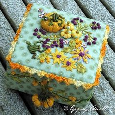 Gypsy Quilt: Embroidery sewing box