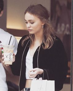 #LilyRoseDepp getting coffee with her friend in Los Angeles. (January 3)  #new #actress #style