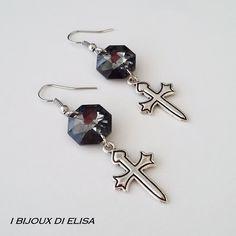 Born to be rock! Discover these earrings on my etsy shop!   #earrings #elegantearrings #ibijouxdielisa #handmade #artigianato #jewels #jewel #bijoux #costumejewelry #grey #darkgrey #croce #croci #cross #crosses #orecchini #etsy #etsyseller #etsyshop #etsystore #rockstyle