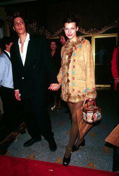 Sean Andrews and Milla Jovovich, 90s Wear, Cher Horowitz, Schoolgirl Style, Dad Shoes, Grunge Look, Milla Jovovich, 90s Fashion, Fashion Trends