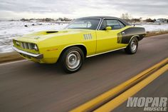 bettermenthings: PLYMOUTH BARRACUDA 1971