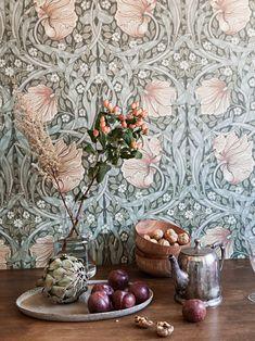 Historiska hem Wallpaper, Painting, Cooking, Velvet, Wallpapers, Painting Art, Paintings, Painted Canvas, Drawings