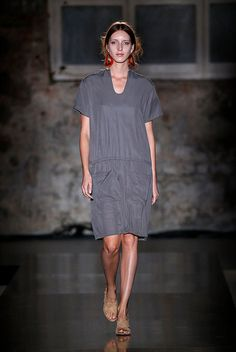 amt studio is an ethical brand from Barcelona. Collection SS18 Spring Summer 2018 Catwalk in 080 Barcelona Fashion. Made in spain. Dress / Coats / t-shirt /  shirt  and more in our website. by Adrià Machado