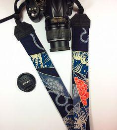 Tracolla per fotocamera SLR, DSLR, imbottita, in cotone giapponese blu con motivi tradizionali. Tracolla giapponese unisex