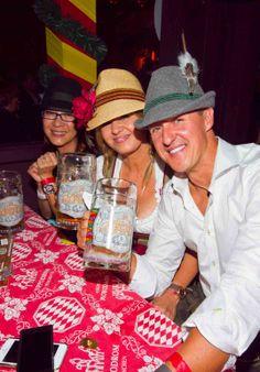 Michael-Schumacher-y-Corinna-en-la-fiesta-de-la-cerveza-en-Munich