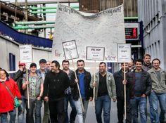 Einfach aufgeben wollen sie nicht: Die HSP-Mitarbeiter sind entschlossen, weiter um ihre Arbeitsplätze zu kämpfen. Ein Teil der Belegschaft zog am Montag vom Werk an der Alten Radstraße aus zur Montagsdemo an die Katharinentreppe.