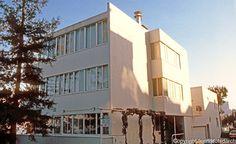 Richard Neutra: Kahn House, 66 Calhoun Terrace, Telegraph Hill. 1939. Photo '83.
