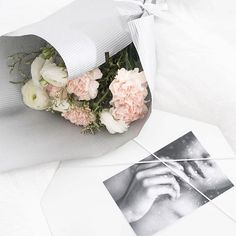 Beautiful flowers , Beautiful pinboard with super photo . This is my photo of the day !