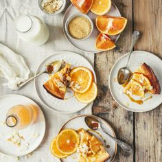 Dutch baby pancake à l'orange sanguine Thin Pancakes, Baby Pancakes, Lemon Curd Tartlets, Orange Sanguine, Dutch Baby Pancake, Food Flatlay, Mini Desserts, Sugar And Spice, Food Styling