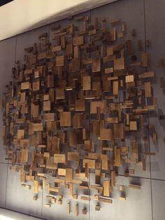 beautiful wood decor Source by freetreestudio Wooden Wall Design, Wooden Wall Art, Metal Wall Decor, Wooden Walls, Wood Design, Wood Art, Wall Art Decor, Wood Sculpture, Wall Sculptures