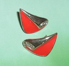 FREE SHIPPING - VINTAGE RED GOLD PIERCED EARRINGS