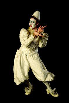 Boris Vallejo, Clown Cirque, Circus Clown, Day Of Dead, Dark Fantasy Art, Josephine Wall, Royal Ballet, Body Painting, Circus Makeup