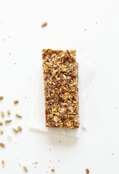 AMAZING super seedy granola bars! Naturally sweetened, #vegan and #glutenfree and SO delicious. Perfect for snacking or taking on roadtrips