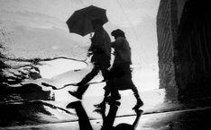 Casal na chuva, 1952