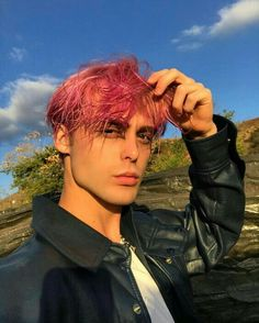 Tryna fill that Void ❤️ Guys With Pink Hair, Pink Hair Guy, Red Hair Boy, Hot Pink Hair, Dyed Hair Men, Dyed Red Hair, Dye My Hair, New Hair, Androgynous Haircut