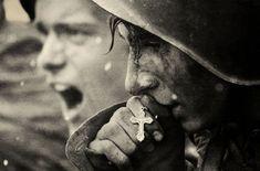 A Soviet Soldier kissing his cross before going into battle during the Battle of Kursk. -Battle of Kursk Part 3 Final Part- War Photography, Emotional Photography, Popular Photography, White Photography, Street Photography, Landscape Photography, Photography Ideas, Fashion Photography, Wedding Photography